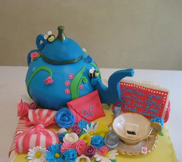 Bridal Shower Teapot cake