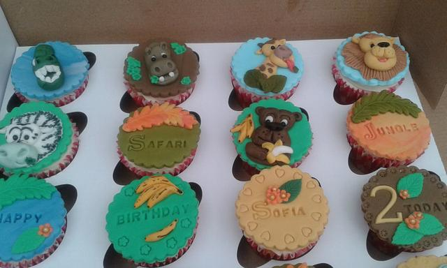 Safari and Jungle themed cupcakes