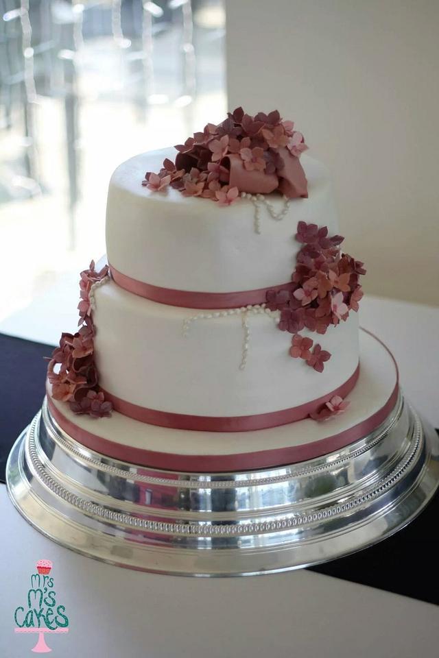 Dusky punk hydranga cake