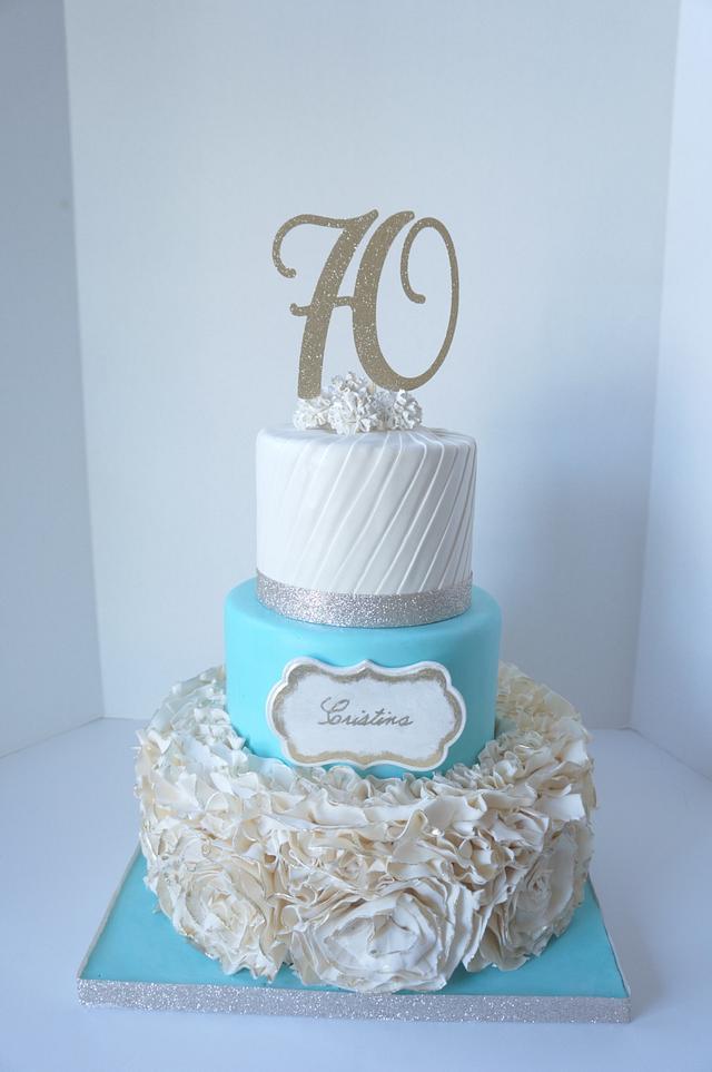 Queen ruffle cake