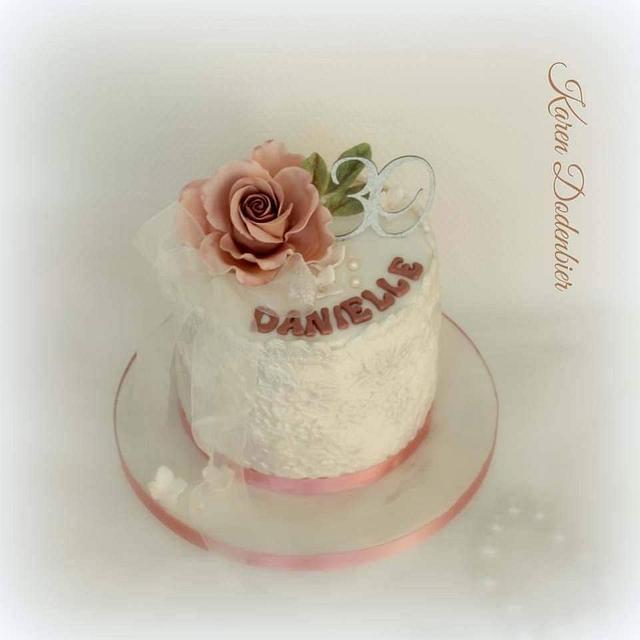 Small surprise cake
