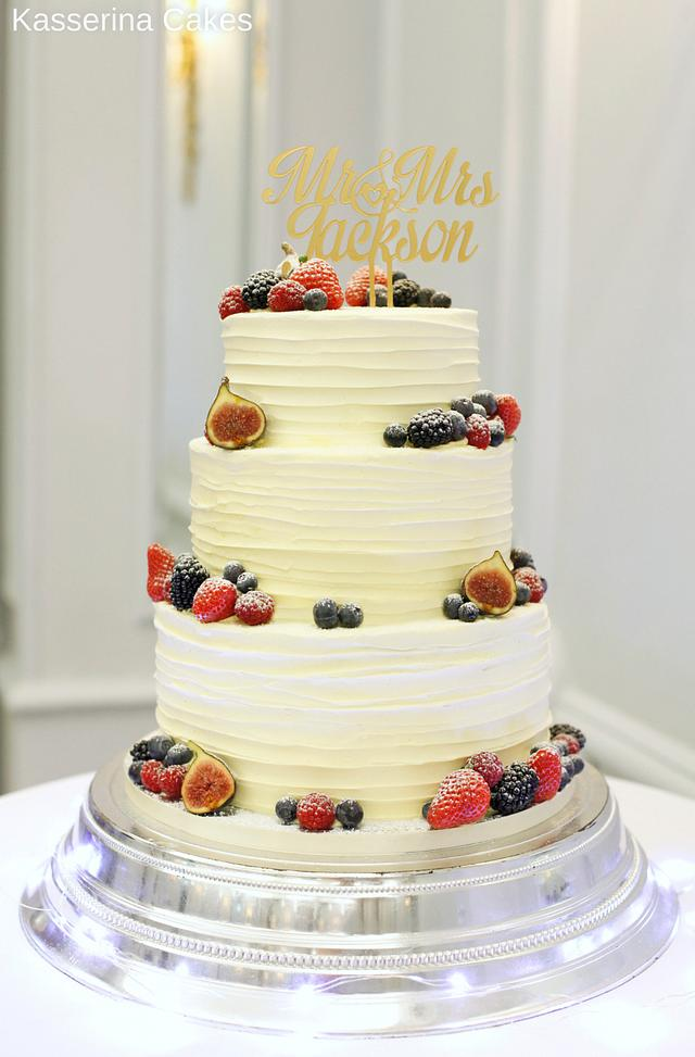 Simple knife effect buttercream cake with fruit