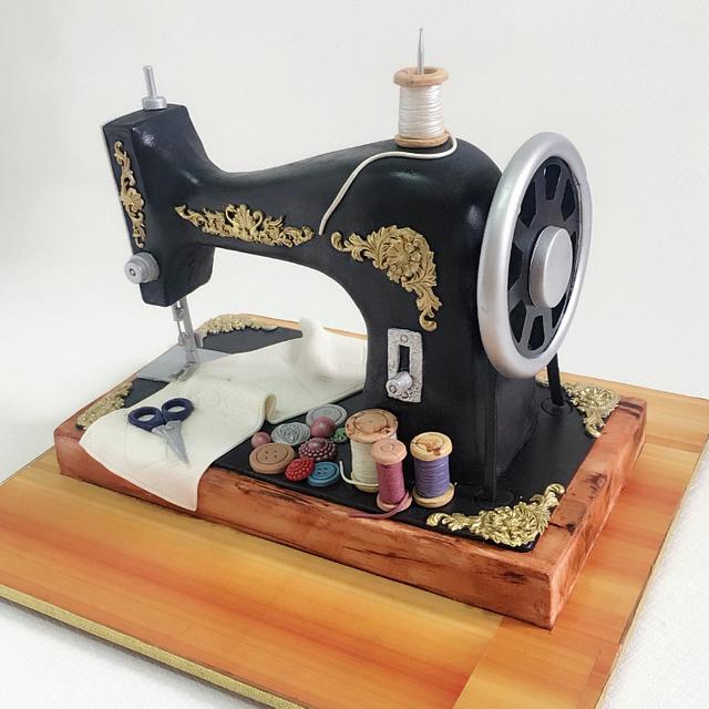 Old sewing machine cake