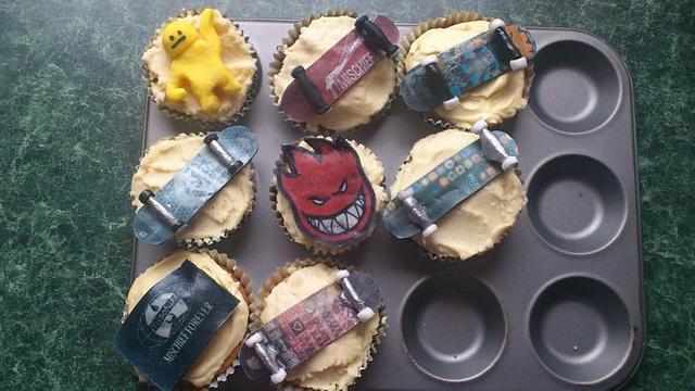 skateboarding cupcakes