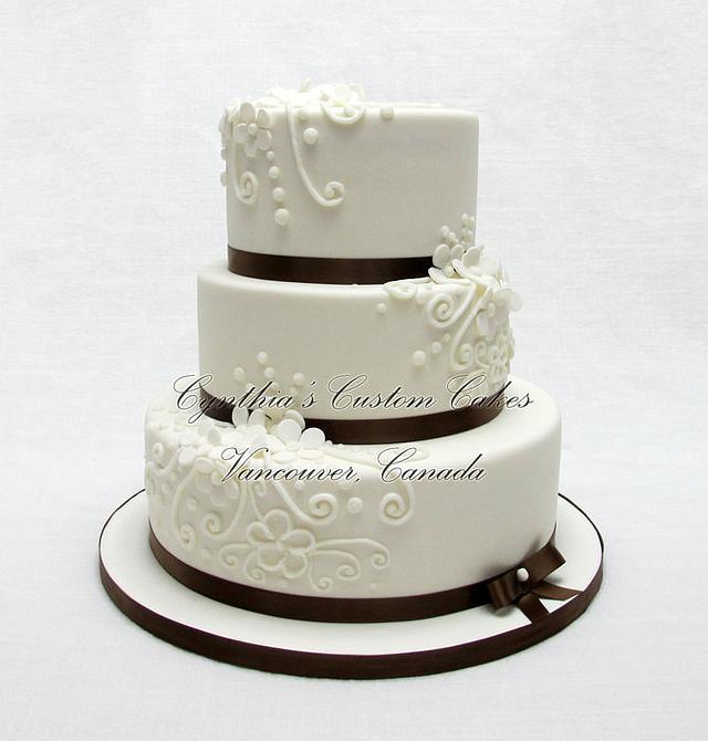 White and Browm Wedding Cake