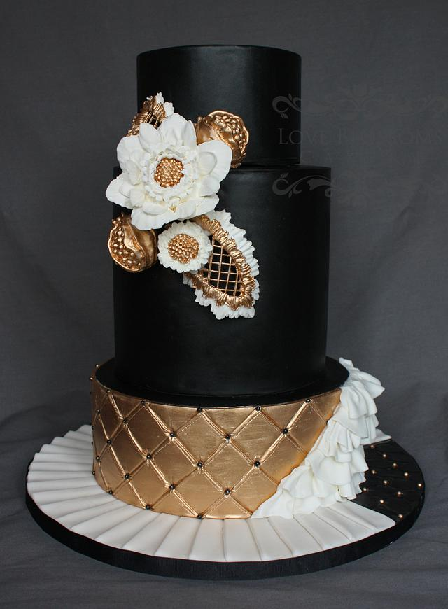 Black and Gold Bold Wedding Cake