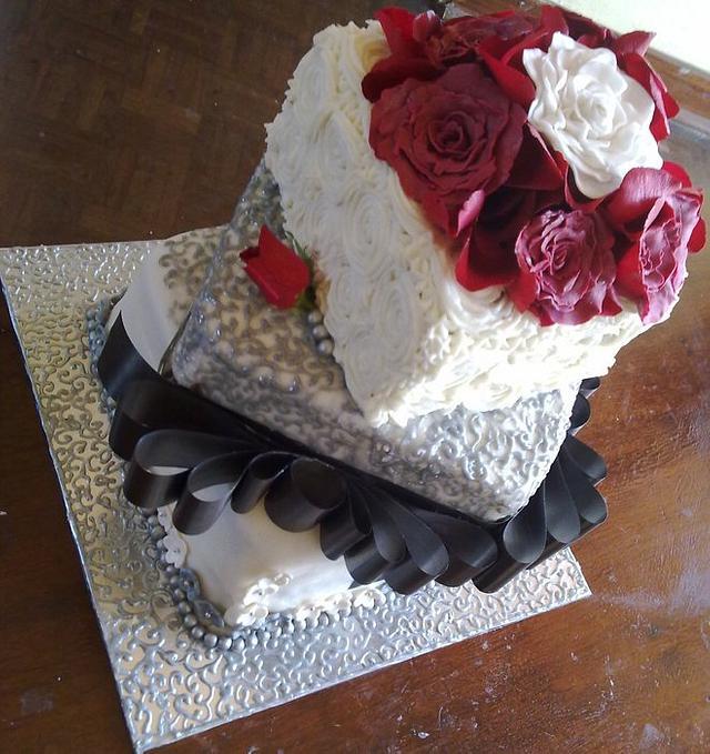 Silver & White Wedding cake