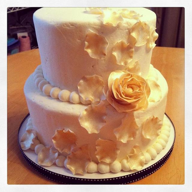 Golden Rose Petals Cake