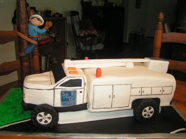 Bucket truck groom's cake