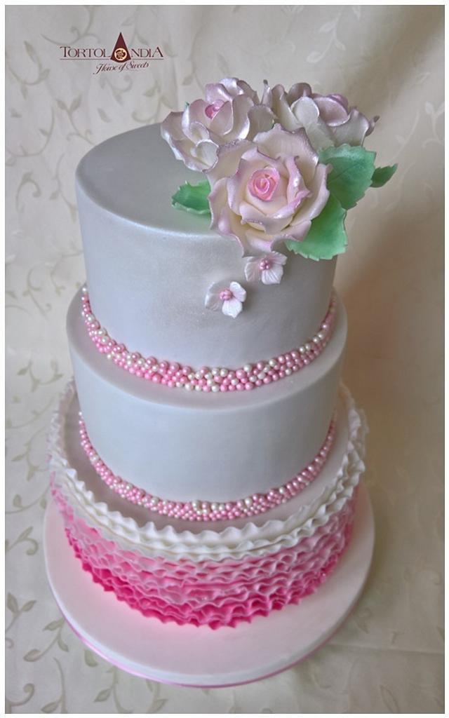 Wedding cake in pink