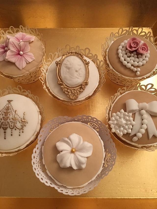 Wedding cupcakes Vintage