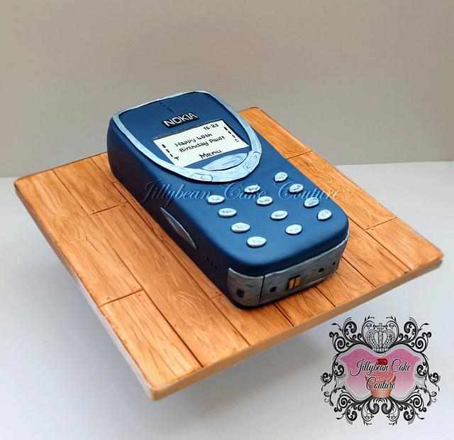 Old Nokia phone cake