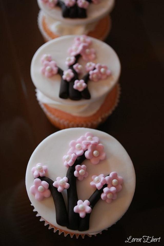 Cherry Blossom Cupcakes!
