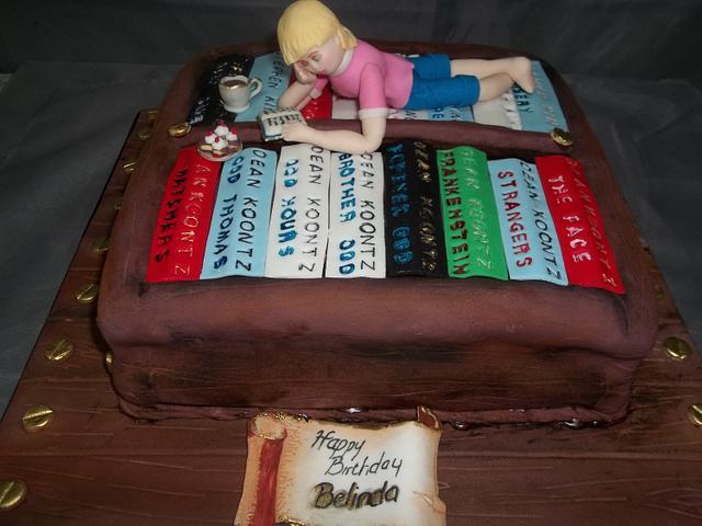 Bookshelf cake