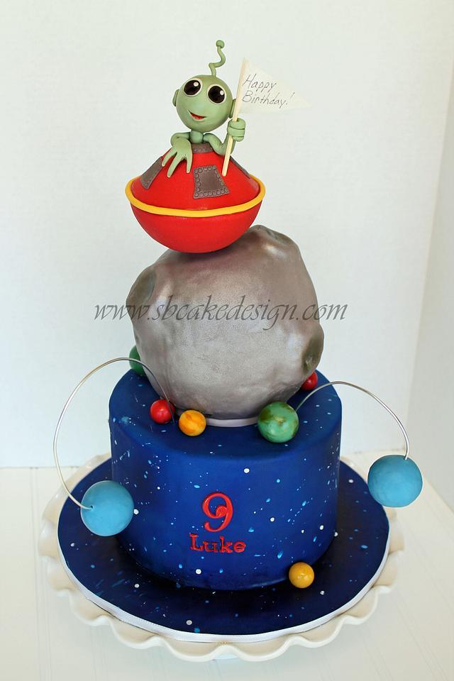 Fantastic Alien Birthday Cake Cake By Shannon Bond Cake Design Cakesdecor Funny Birthday Cards Online Elaedamsfinfo