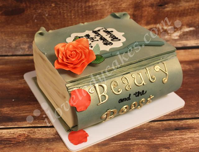 Book Lovers Dream Cake