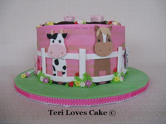 Gluten-Fee Vegan Farm Animal Cake
