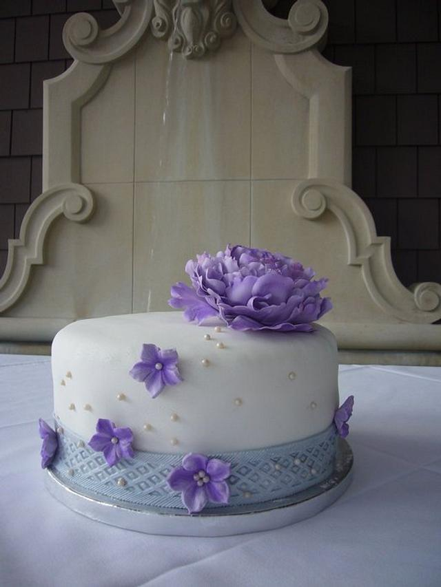 Purple peony cake