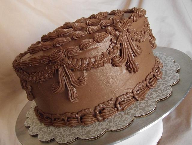 King Louis or An Ode to Old School Cake