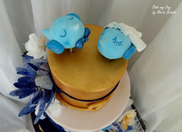 wafer paper flowers wedding cake