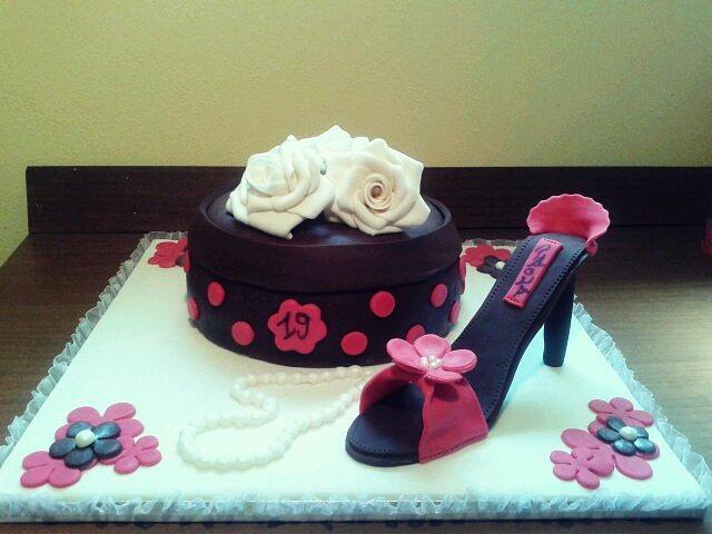 Astonishing Fashion Birthday Cake Cake By Stefania Cakesdecor Funny Birthday Cards Online Bapapcheapnameinfo