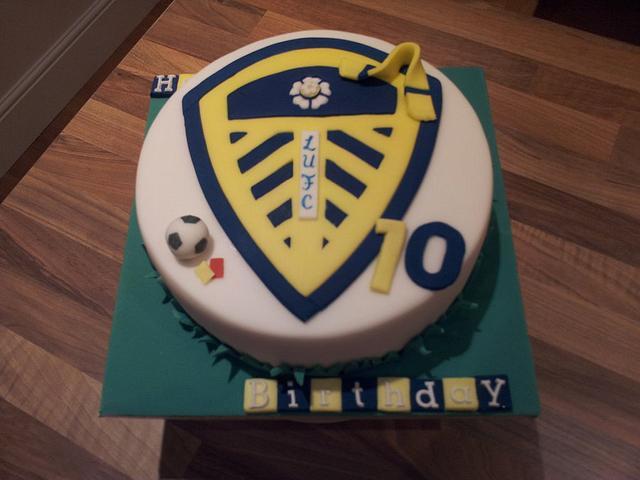 Leeds United Football Cake