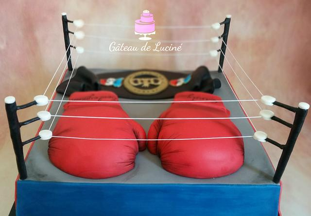 The Ring Boxe cake