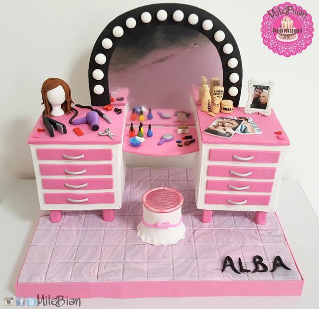 Beauty Salon Cake