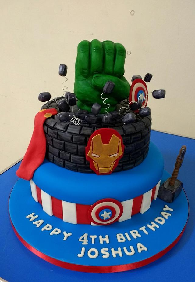 Hulk and Avengers cake