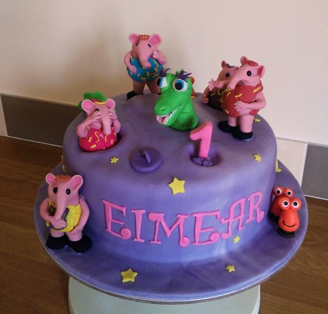 Clangers on the moon cake