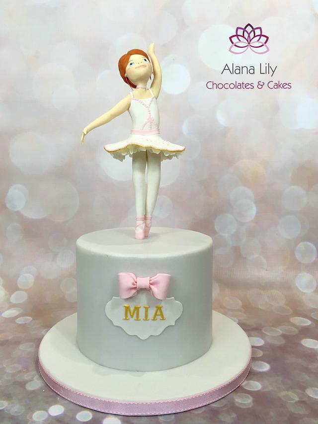 Felicie - Ballerina inspired cake