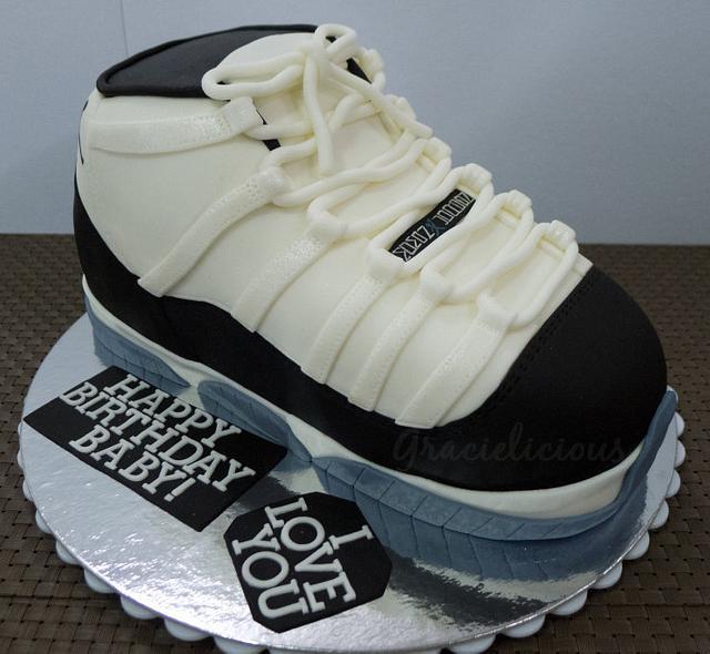Jordan 11 Concorde Cake