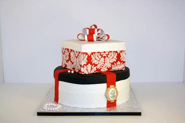Enjoyable Birthday Present And Hat Box Cake By Prima Cakes And Cakesdecor Funny Birthday Cards Online Drosicarndamsfinfo