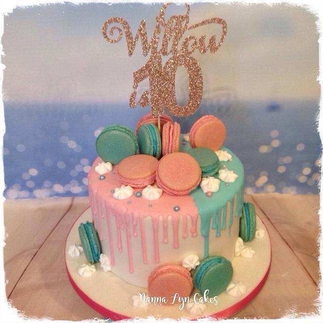 Macarons, drips and meringue kisses