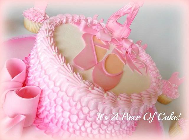 Ballerina Themed Cake w/Cupcakes