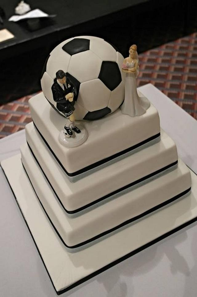 Football themed wedding cake (football is cake too :))