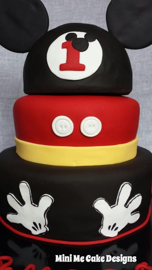 Awesome Mickey Mouse 1St Birthday Cake By Mini Me Cake Design Cakesdecor Personalised Birthday Cards Paralily Jamesorg