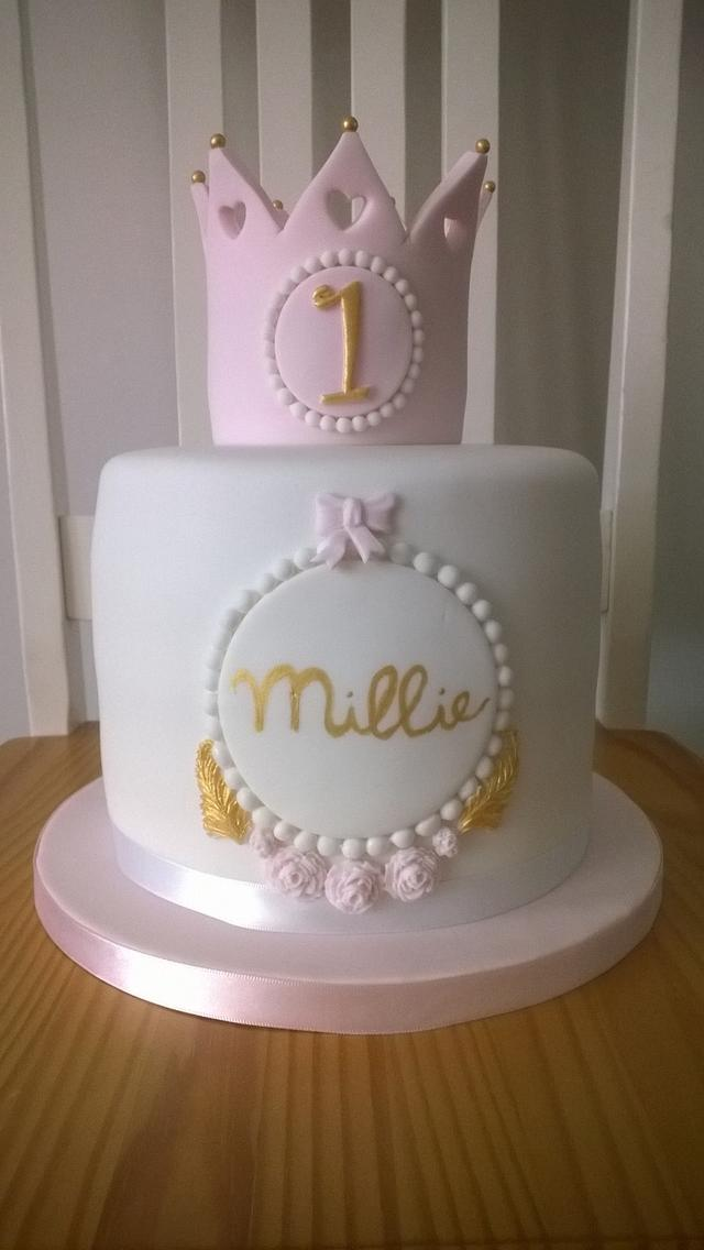 Astounding Princess 1St Birthday Cake With Crown Cake By Combe Cakesdecor Personalised Birthday Cards Veneteletsinfo