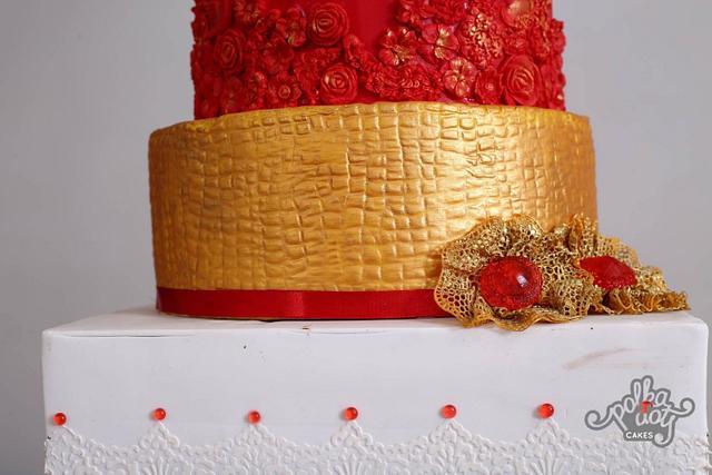 Modern #elegant #indian bride#inspired#very elegant cake
