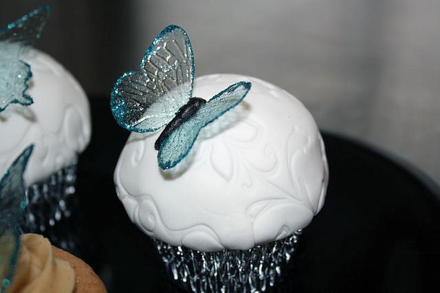 Gelatin Butterfly Cupcake