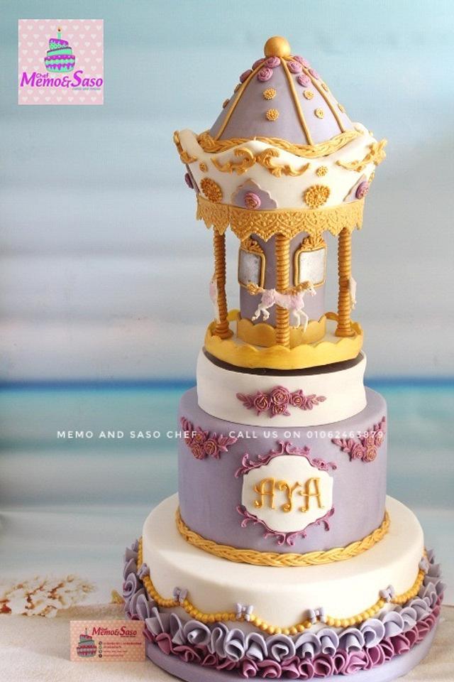 Carousel music box cake 🎠🎶