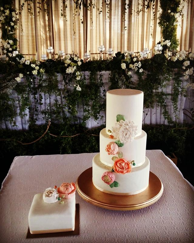 Wedding Cake Classic Style with Flowers