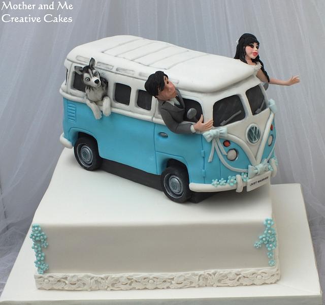 VW Camper Van Wedding Cake.....and the Husky came too!