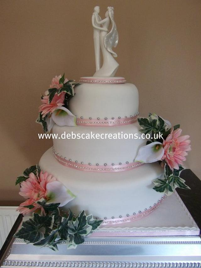 gerbera wedding cake