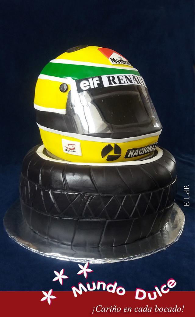 Senna´s helmet and tyre cake