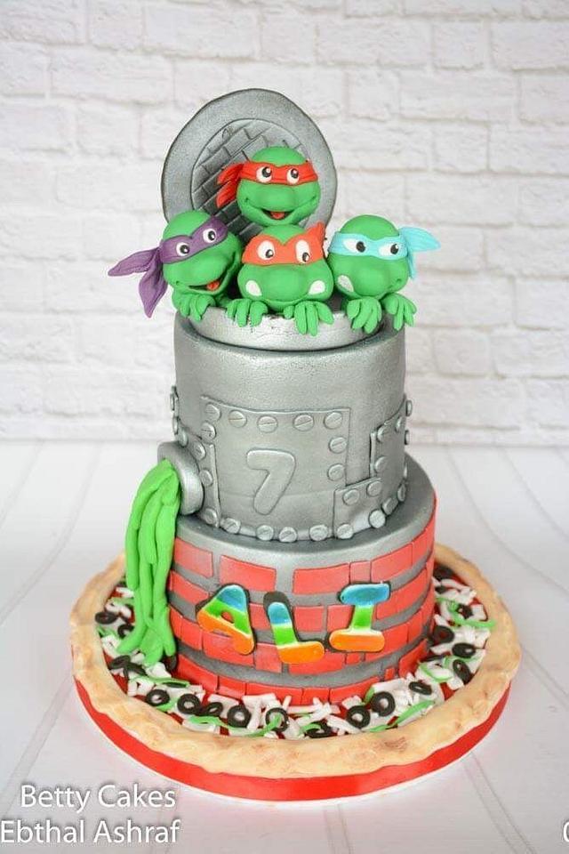 My first Ninja turtles Cake. Hope you liked.