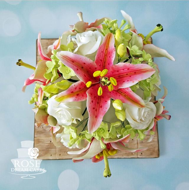 Tiger Lily Bouquet Cake