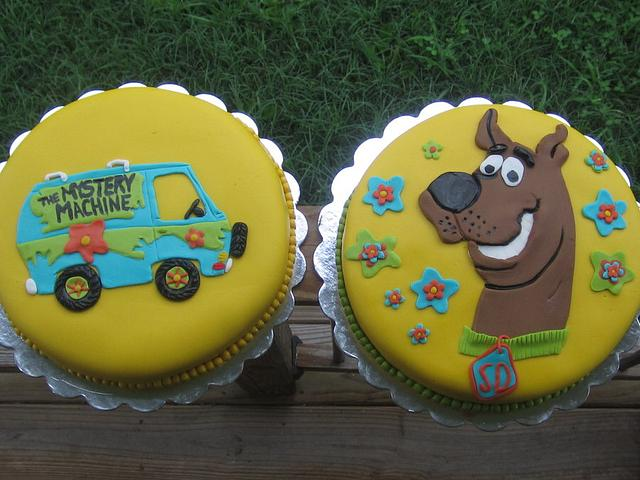 scooby doo & the mystery machine