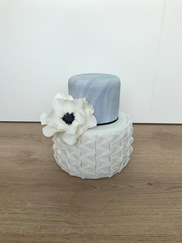 Simple anemone cake