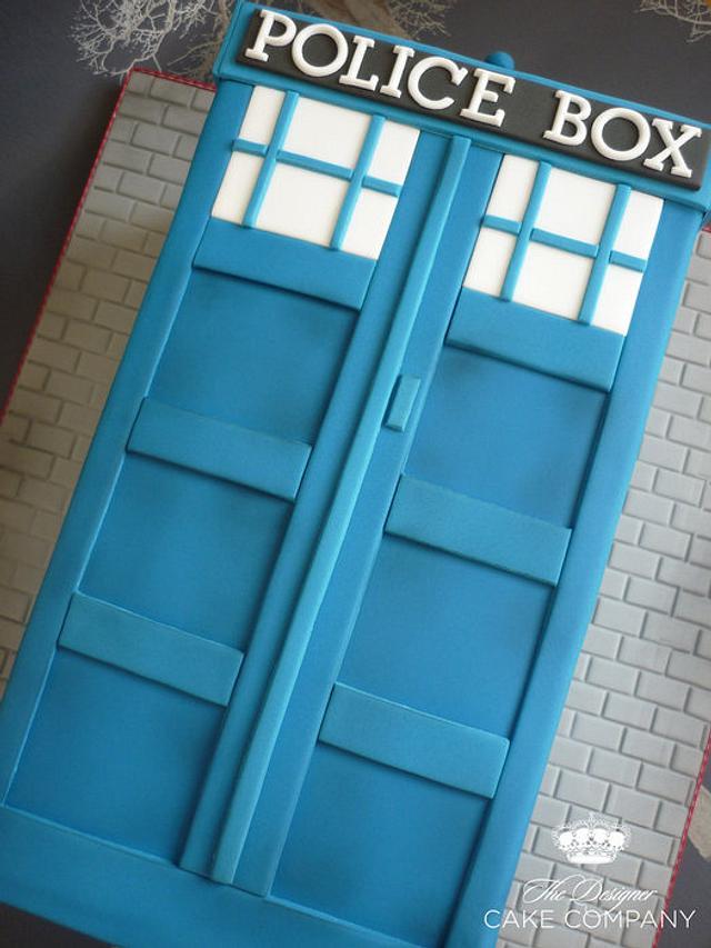 Dr Who Tardis birthday cake